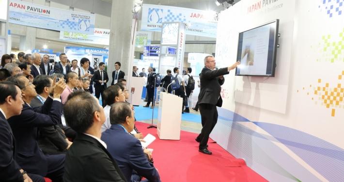 1. Fachvortrag auf dem Japan Pavillion auf dem IWA World Water Congress vor Honoratioren und interessiertem Fachpublikum