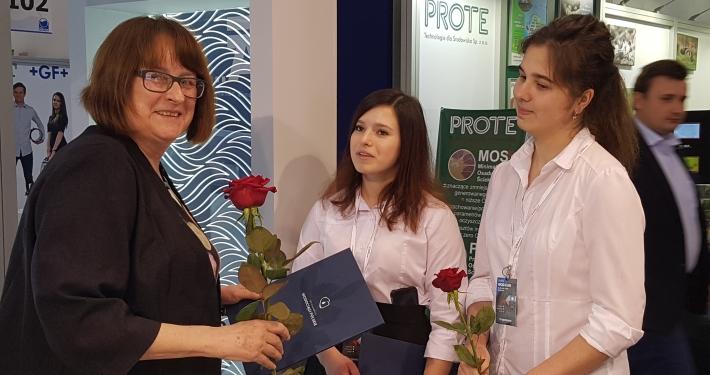 Congratulating Krystyna Taylor, CEO of Meva-Pol, Gdansk.