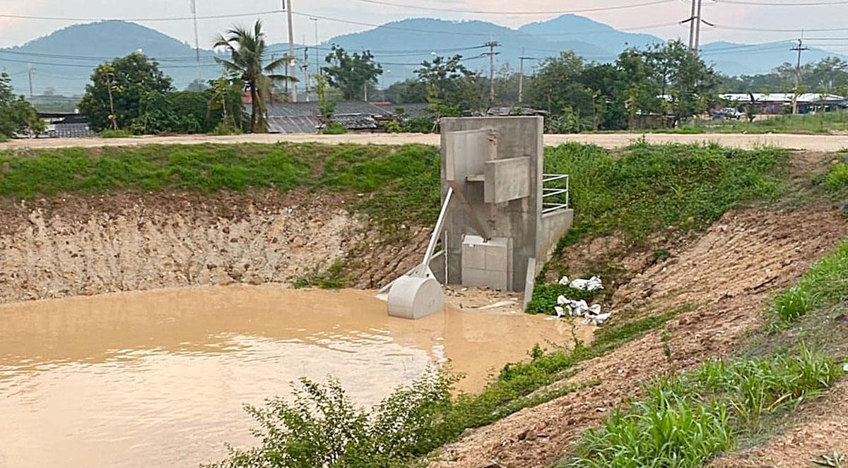 Zuverlässig und ohne Fremdernergie arbeitet der HydroSlide-Typ V auch als Abflussregler in Regenüberlaufbecken – hier im Mai 2020 in Thailand.