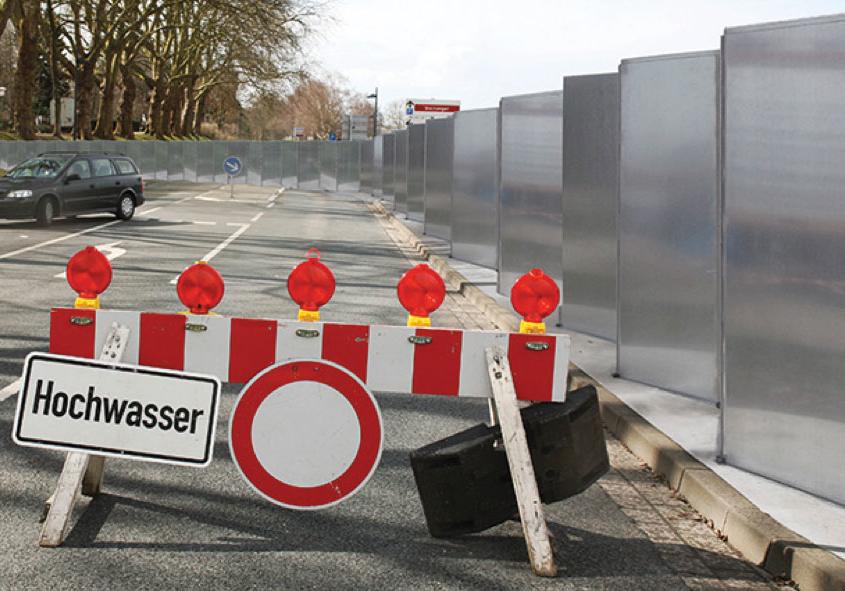 HydroSwizz zig-zag floodwater barrier at work